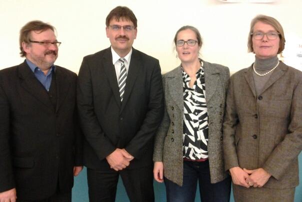 Pier Meier, Ralf Berger, Petra Elias und Annette Baumeister wünschen stellvertretend für die Kreiselternräte Herrn Ralf Berger alles Gute im neuen Amt.