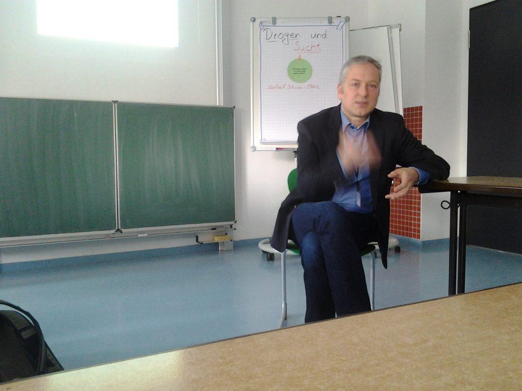 """Niko Kleinknecht geht der Frage nach: """"Was können öffentliche und freie Schulen von einander Lernen?"""""""