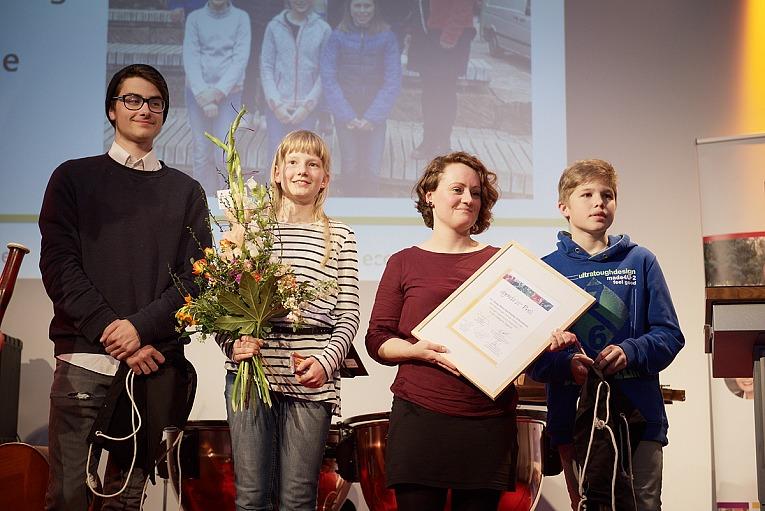 Preisträger Max-Klinger-Gymnasium, Foto: Charlotte Sattler - Preisverleihung des Leipziger Agenda-Preises 2017 am 09.05.2015 in der Villa Ida in Leipzig. FOTO: Charlotte Sattler