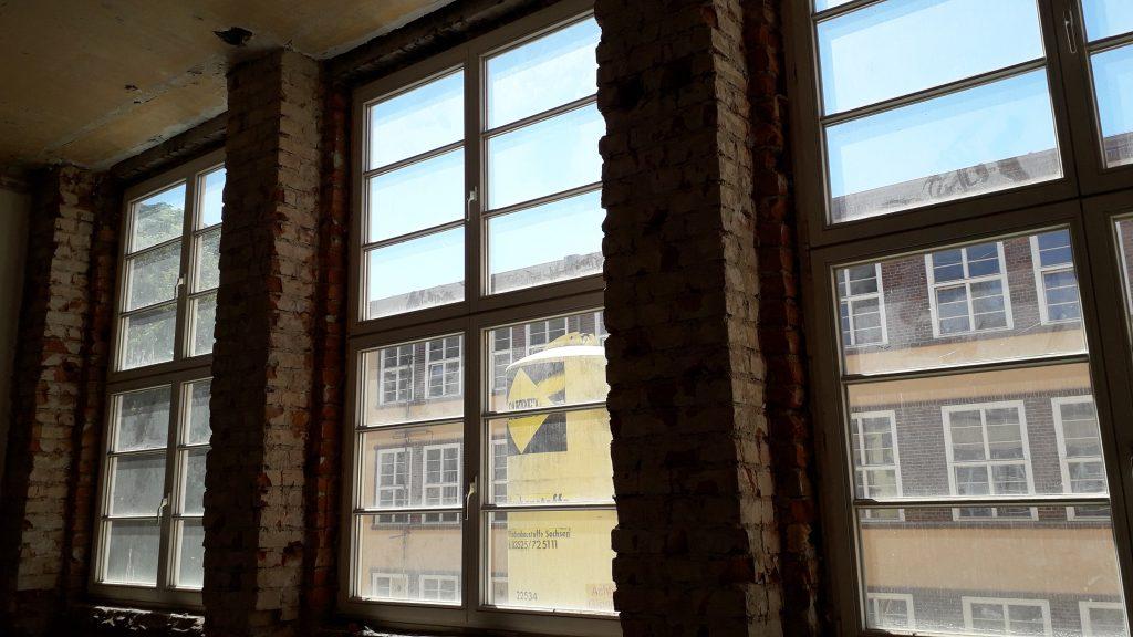 Karl-Heine Schule: Das diese Schule toll wird, ist schon zu erahnen. Ob die oberen Fenster ohne Leiter zu öffnen sind, konnte keiner sagen.