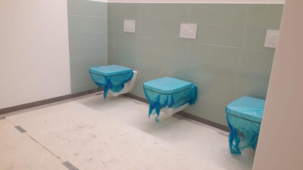 Oberschule Ratzelstraße Noch sind die Mädchentoiletten ohne Abtrennung.