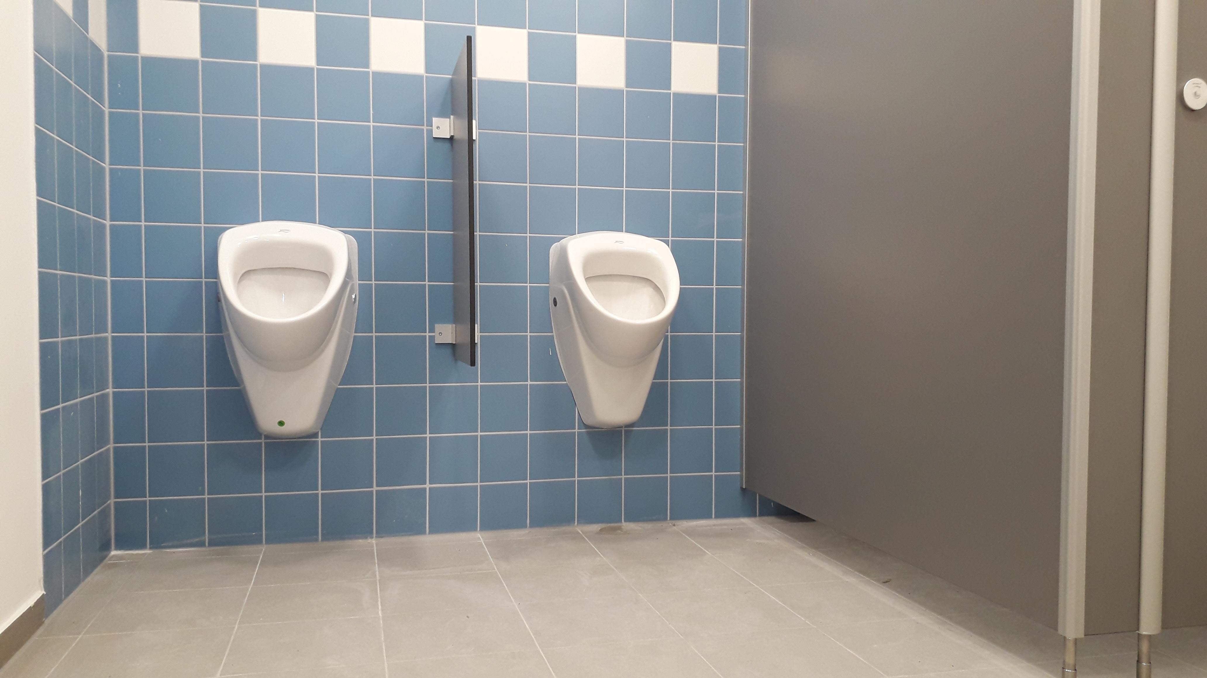 Alte Paplo-Neruda-Schule Toiletten nicht für Grundschüler geeignet